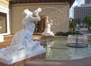 Sea_Sirens_Fountain_Kansas_City_MO