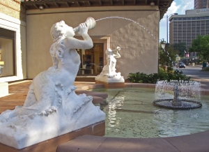 Sea_Sirens_Fountain_Kansas_City_MO