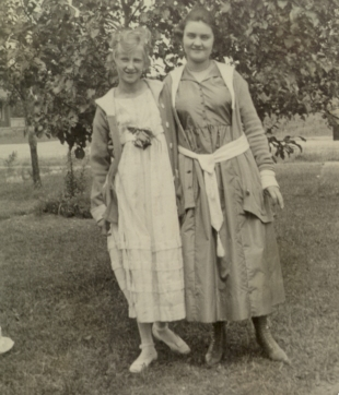 Old Women's Photo